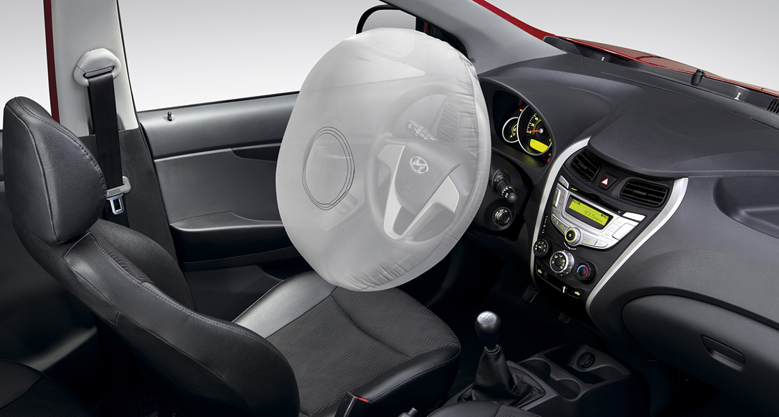 Airbag from the steering wheel simulated