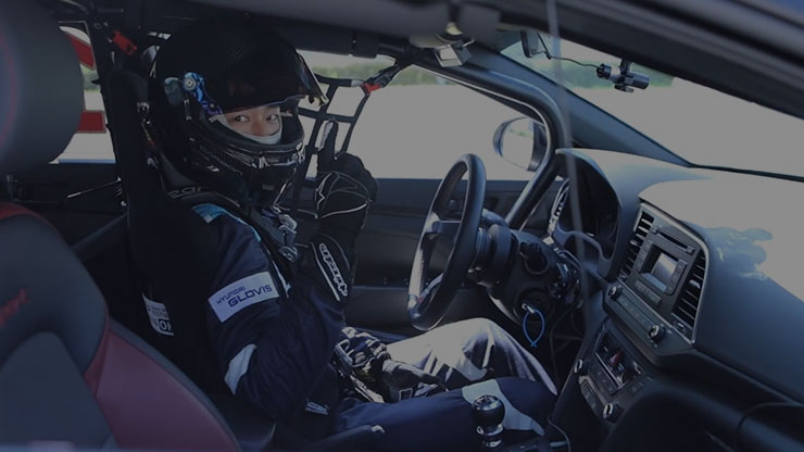 a person is waiting for race in the car